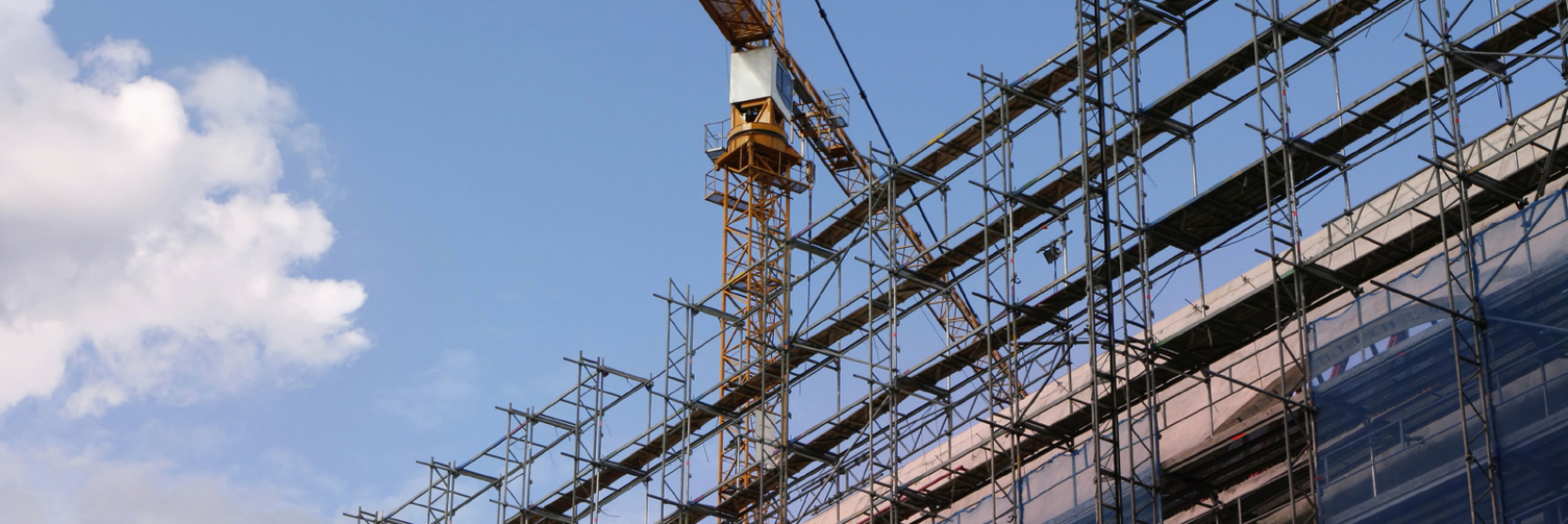Kran auf einer Großbaustelle der Aridbau Bauunternehmung GmbH in München